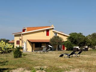 La Pinnetta, estate in the countryside - Tresnuraghes vacation rentals
