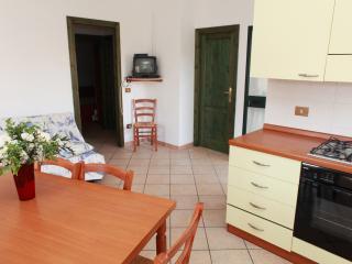 Appartamenti Ideal Quadrilocale 8 - Isola Rossa vacation rentals