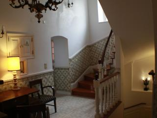 5 bedroom B&B with Internet Access in Sintra - Sintra vacation rentals