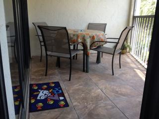 Great vacation unit on Marco River - Marco Island vacation rentals