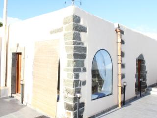 Nice 2 bedroom Tracino Townhouse with Satellite Or Cable TV - Tracino vacation rentals