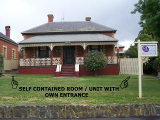 1 bedroom Bed and Breakfast with Internet Access in Maryborough - Maryborough vacation rentals