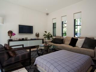 Paradise in Paddington PD14 - Edgecliff vacation rentals