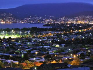 Charbella's on Norma - Stunning Views of Hobart - Hobart vacation rentals