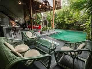 Amazing 4 Bedroom Villa Close to Eat street, Shop and Beach - Seminyak vacation rentals
