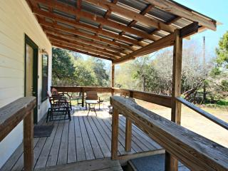 Cozy 2 bedroom Wimberley Cabin with Internet Access - Wimberley vacation rentals