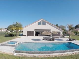 Bright 4 bedroom Villa in Clermont - Clermont vacation rentals