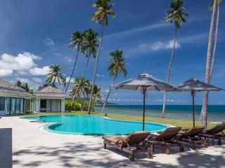 Relax by the beach - Baan Tasha - Laem Set vacation rentals