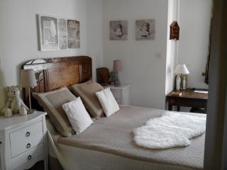 2 bedroom B&B with Corporate Bookings Allowed in Montbrison - Montbrison vacation rentals