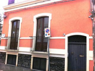 casa vacanza acireale centro storico vicino il mar - Acireale vacation rentals