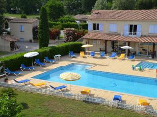 Résidence Vacances Fontenelle - Gîte Pastre - Raphele-les-Arles vacation rentals