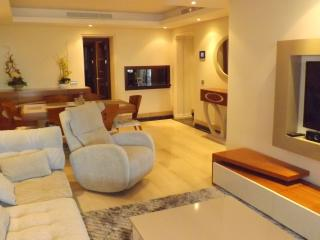 Front line - 2 b Ground Floor - Bahia de Plata - Estepona vacation rentals