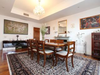Adorable 4 bedroom Condo in London - London vacation rentals