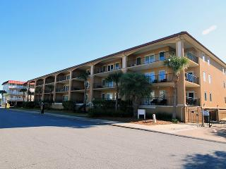 Brass Rail Villas - Unit 308 - Deluxe Vacation Rental - Swimming Pools - FREE - Tybee Island vacation rentals