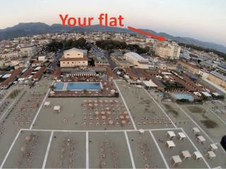 Beachfront Panoramic 7°floor Lift Air Conditioned - Viareggio vacation rentals