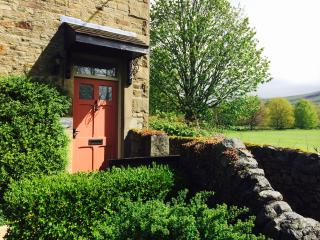 Beautiful 3 bedroom Giggleswick Cottage with Internet Access - Giggleswick vacation rentals