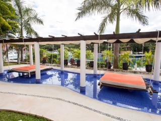 Luxury apartment 2 or 3 bedrooms 6 to 10 guests - Puerto Aventuras vacation rentals
