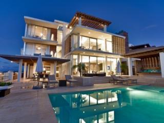 One of a Kind 10 Bedroom Estate in Blackgarden Bay - Crocus Hill vacation rentals