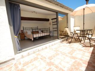 Charming 1 bedroom Apartment in Vezenobres - Vezenobres vacation rentals