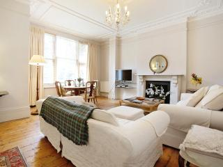 Charming and Generously-  Kensington w14 - London vacation rentals