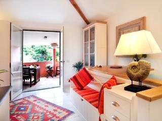 appartamento con terrazzo a Calasetta - Calasetta vacation rentals