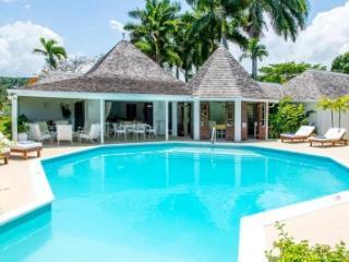 Quaint 4 Bedroom Villa at Trayll - Hope Well vacation rentals