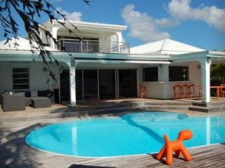 Marvelous 4 Bedroom Villa in Nettle Bay - Baie Nettle vacation rentals