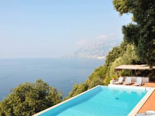 Amazing views Amalfi coast sleeps 10 - Naples vacation rentals