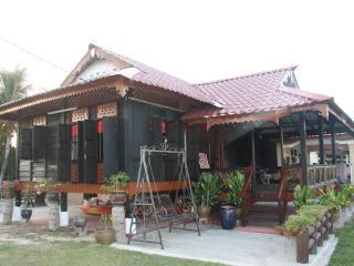 Bright Kepala Batas House rental with Internet Access - Kepala Batas vacation rentals
