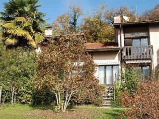 Bright House with Dishwasher and Short Breaks Allowed - Sessa vacation rentals