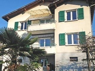 2 bedroom Apartment with Internet Access in Lausanne - Lausanne vacation rentals
