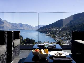 Villa Moana - Outstanding views and walk to town - Queenstown vacation rentals