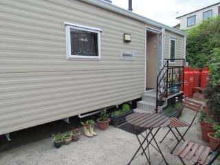 Lovely static caravan overlooking swanage bay - Swanage vacation rentals