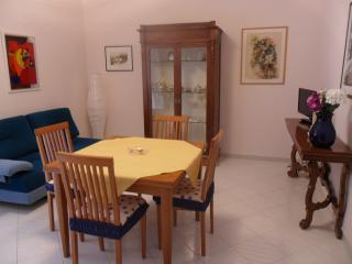 Bright 2 bedroom Apartment in San Martino in Pensilis with A/C - San Martino in Pensilis vacation rentals