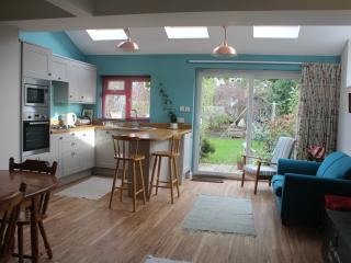 Nice 2 bedroom House in Emsworth with Internet Access - Emsworth vacation rentals