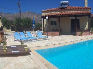 Kalokairi Holiday Villa - Kaliviani vacation rentals
