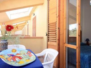 Case Vacanza Cadoro 190 mt dal mare, wifi e Tennis - Sciacca vacation rentals