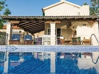 Sunny House with Internet Access and Dishwasher - Sv. Filip i Jakov vacation rentals