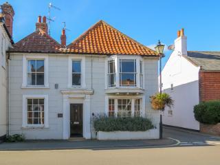 The Old Gordon House in Aldeburgh High Street - Aldeburgh vacation rentals