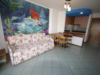 """Casa Vacanze """"Al mare con La Sirenetta"""" - Porto d'Ascoli vacation rentals"""