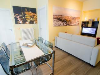 Cozy 2 bedroom Apartment in Matera with Internet Access - Matera vacation rentals