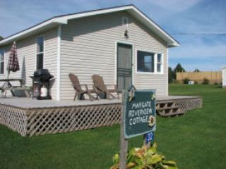 Comfortable 2 bedroom Kensington Cottage with Internet Access - Kensington vacation rentals