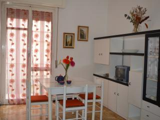 Lovely Condo with Satellite Or Cable TV and Garage in Cavi di Lavagna - Cavi di Lavagna vacation rentals