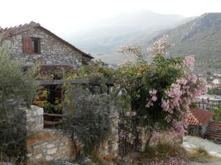 Romantic 1 bedroom Megalos Prinos House with Internet Access - Megalos Prinos vacation rentals