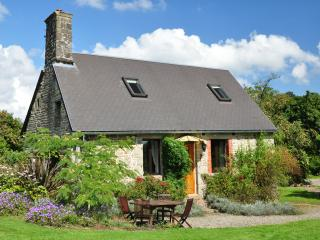 La Herpiniere Farmhouse Tranquil setting - Cherence-Le-Roussel vacation rentals
