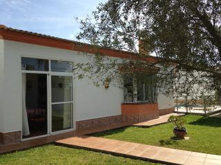 3 bedroom Villa with Internet Access in Chiclana de la Frontera - Chiclana de la Frontera vacation rentals