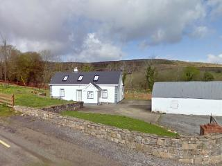 3 bedroom House with Parking in Rossinver - Rossinver vacation rentals