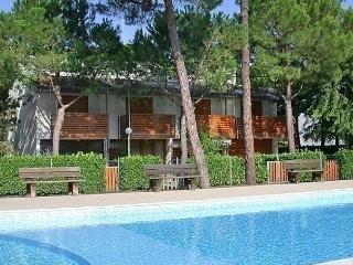 Bright 3 bedroom Vacation Rental in Lignano Pineta - Lignano Pineta vacation rentals