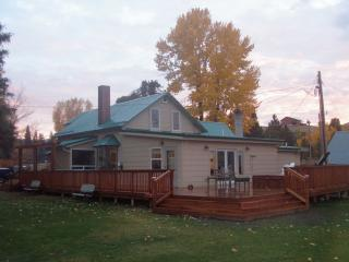 2 bedroom Guest house with Dishwasher in Darby - Darby vacation rentals