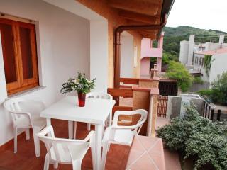 Appartametni Mare Blu Bilocale 4 - Isola Rossa vacation rentals